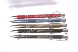 Długopisy reklamowe w sklepie motoryzacyjnym